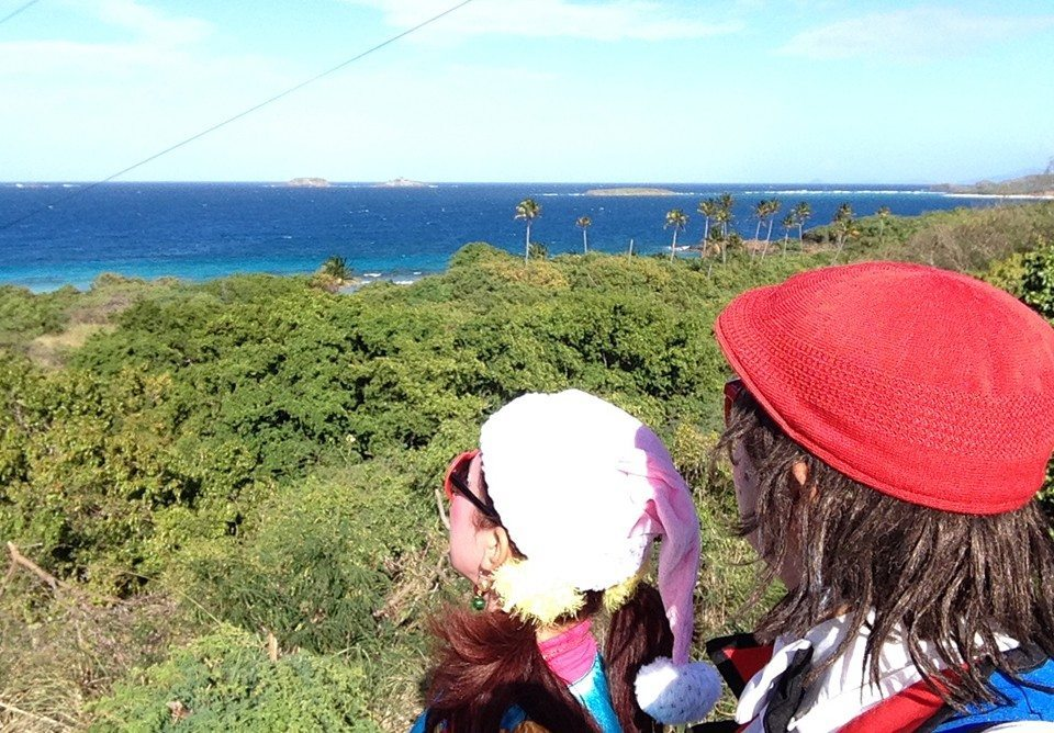 Payasos mirando al horizonte en Culebra, PR