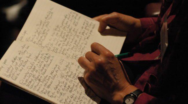A escribir a mano