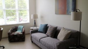 Target House - espacio de la sala del apartamento